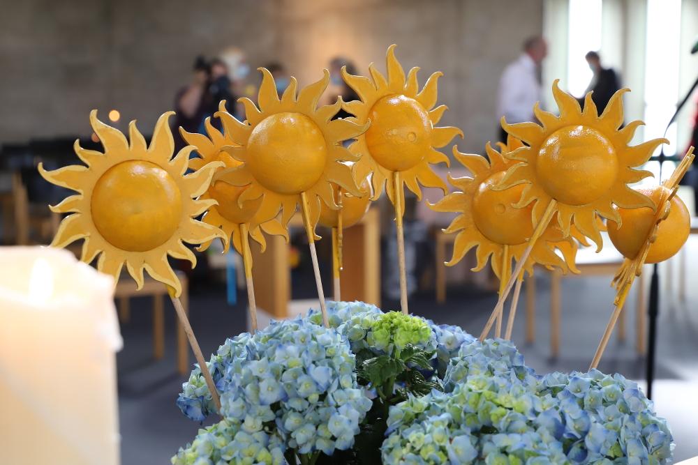 Blumenstrauß mit gelben Sonnen